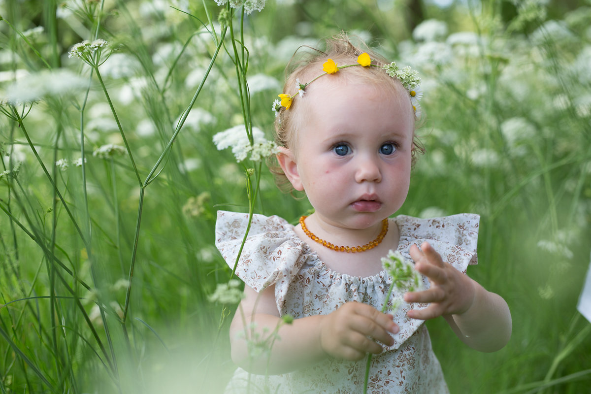Wild delicious Gallery image Ambers beautiful daughter in a field of white flowers